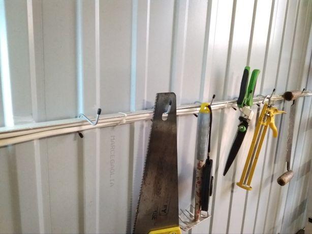 Hak wieszak do garażu typu blaszak - 25x25