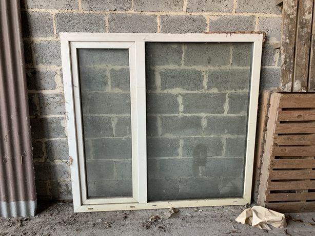 Okno 158x150 biale