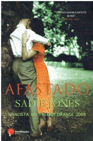 8932 Afastado de Sadie Jones