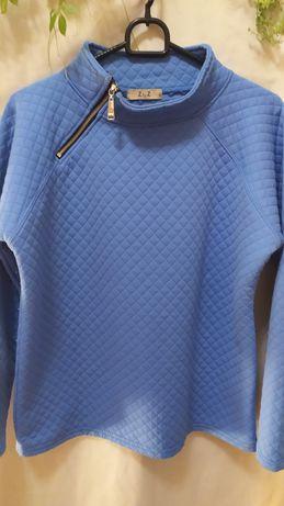 Bluza w błękitnym kolorze