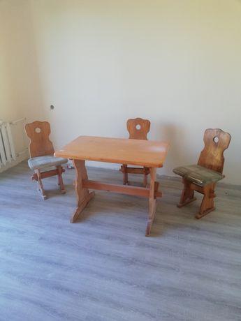 Sprzedam stół i trzy krzesla