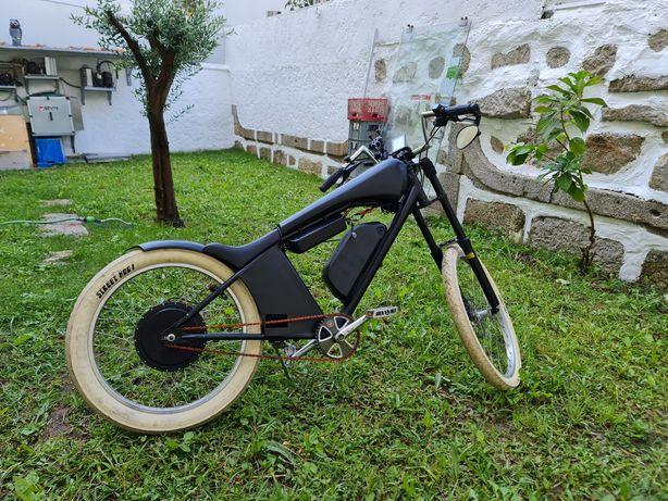 Bicicleta eletrica 60km/h chopper 2000w 22ah bateria