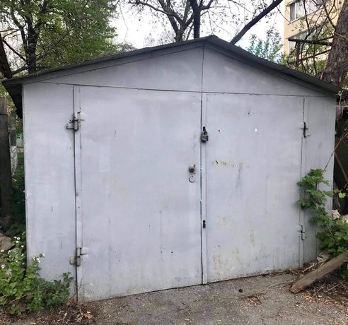 Металевий гараж (р-н Черемушки) з документами