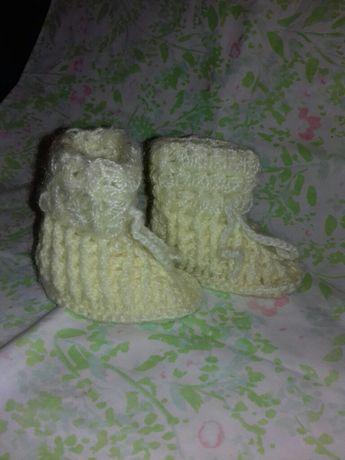Botinhas em lã feitas à mão