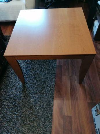 Mesa apoio divani e divani 80 por 80 cm de tampo, em madeira