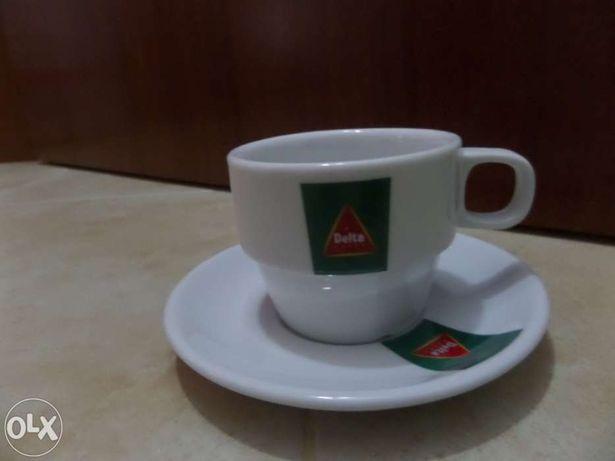 Vendo chávenas de 1/2 de leite