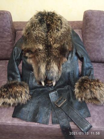 Зимняя куртка кожа мех енот
