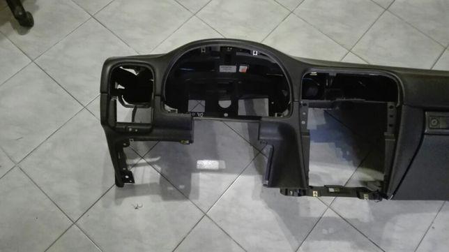 Deska rozdzielcza, kokpit Volvo V40 Lift