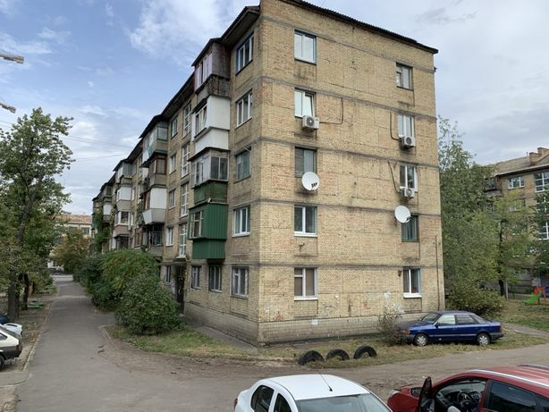 Двухкомнатная квартира на ул.Пражская 8,Ленинградская площадь,Дарница