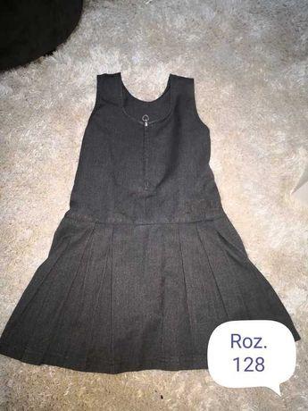 Szara sukienka 128