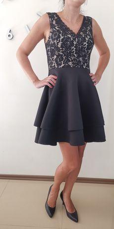 Nowa elegancka sukienka cropp w rozmiarze L