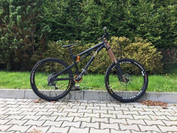 Rower  NS Bikes Soda EVO 27,5 (Downhill Fr) {sram maxxis Ns Marzocchi}