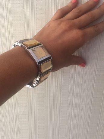 Часы женские Roberto Cavalli