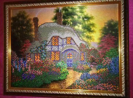 Картина вышитая бисером.Дом мечты.
