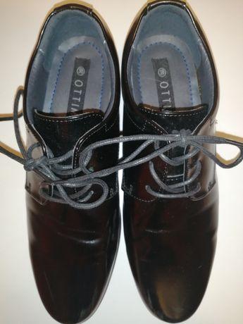 Nowe buty wizytowe chłopięce rozmiar 38