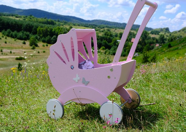 Drewniany wózek Bebe dla lalek firmy Bebis.pl produkt POLSKI eko