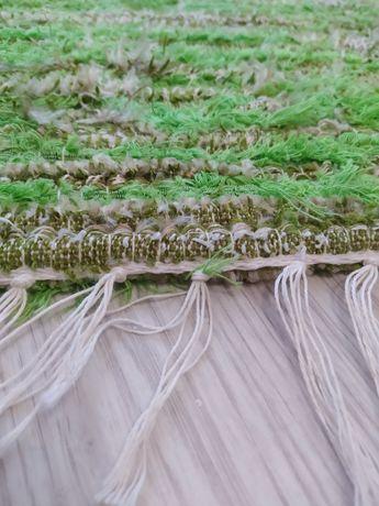 Dywan , dywanik zielony