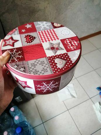 Zestaw  puszek świątecznych