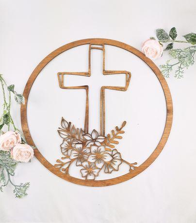 Obręcz, makrama lub wianek. Krzyż