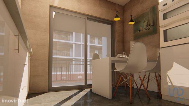 Apartamento - 101 m² - T2