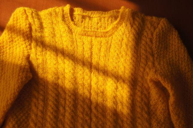 Sweterek ręcznie robiony - r. M