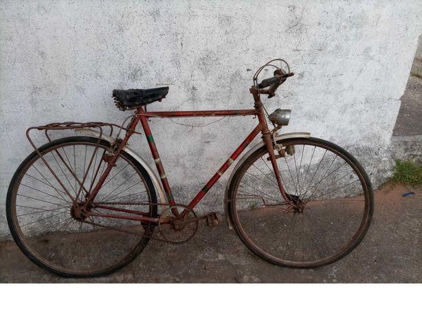 Bicicleta muito antiga para restauro  22-65
