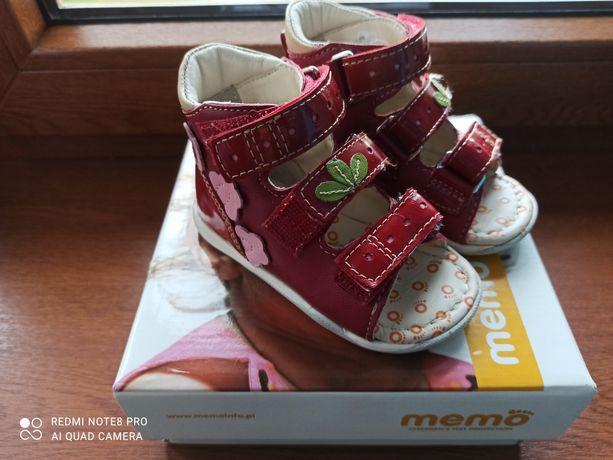 NOWE buciki korekcyjne firmy Memo rozmiar 19