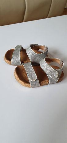 Sandałki dla dziewczynki HM 18-19