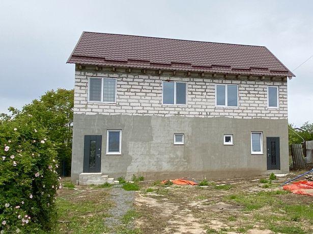 Продам два дома на одном участке в селе Новая Дофиновка