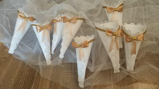 Бумажные конусы для лепестков