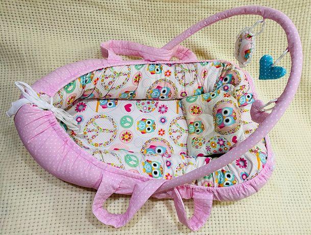 Кокон позиционер для новорожденного с дугами и ручками