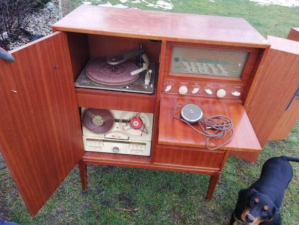 zabytkowe szwedzkie radio lampowe z 1951 typ 1518 VB svenska radioakti