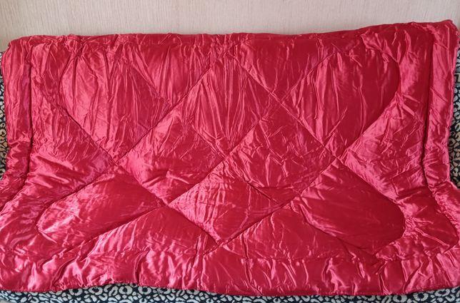 Одеяло пуховое атласное