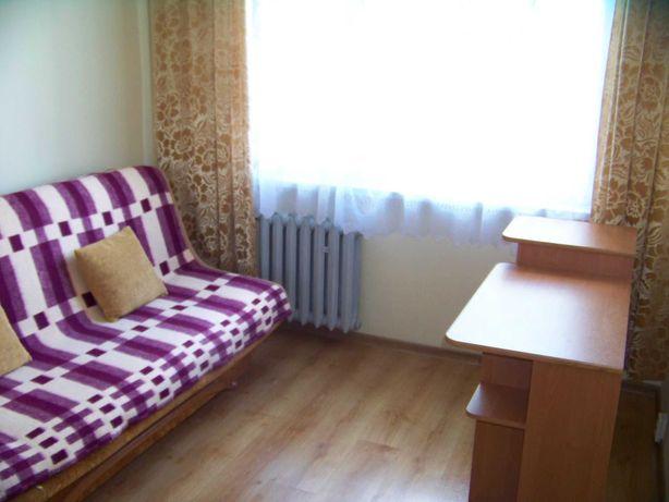 CENTRUM B-B pokój  w mieszkaniu dwupokojowym, odstępne 410 zł + opłaty