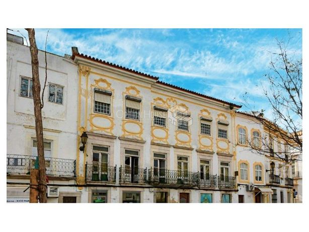 Edifício Apalaçado, Elvas, Centro | Investimento | VS