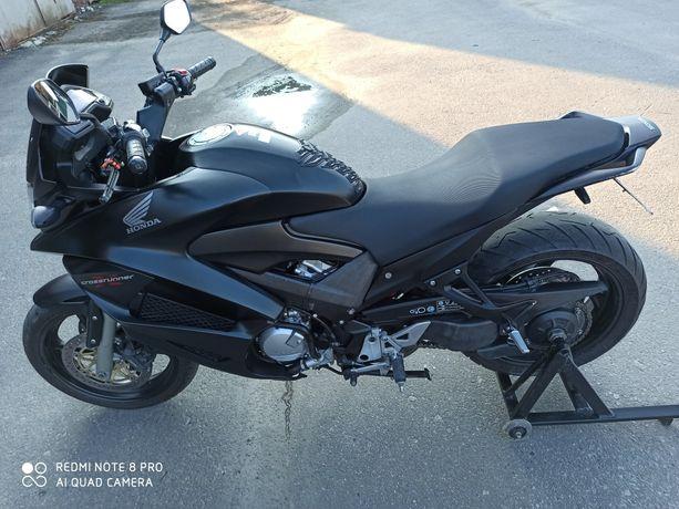 Продам Honda VFR 800 X