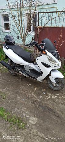 Продам макси скутер Малагути Медисон150.Возможен обмен