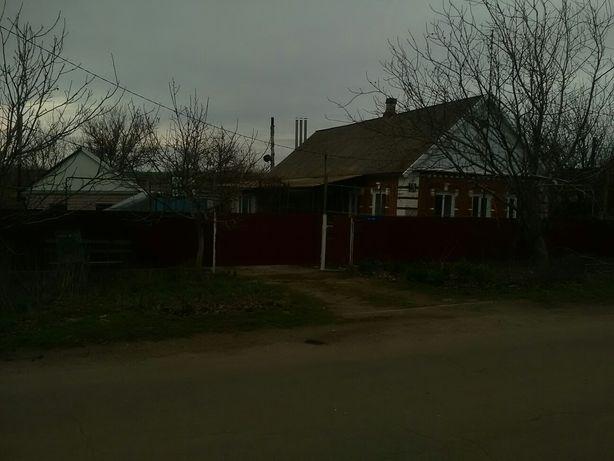 Продам газофицированый дом в с. Роза . Цена договорная 11000s