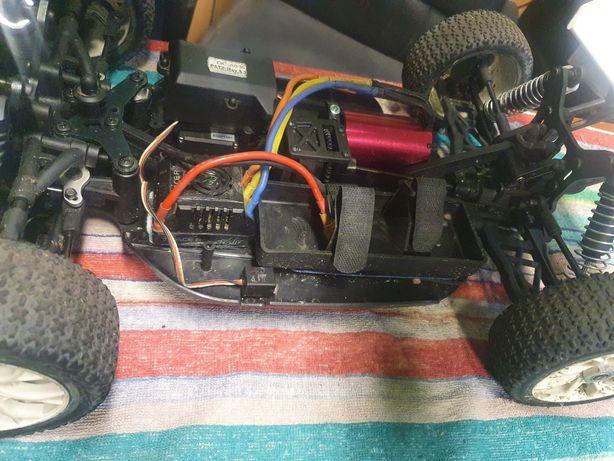 Buggy 1/8 elektryk bezszczotkowy rtr
