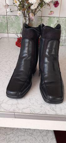Зимние кожаные ботинки на подростка. Размер 37 .