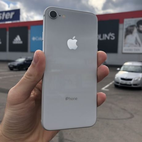 iPhone 8 64gb silver neverlovk (5060)