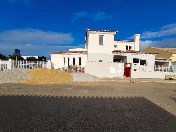 New house at Palmela for rent