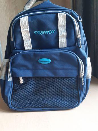 Рюкзак шкільний,з ортопедичною спинкою.