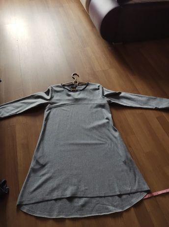 Sukienka z dłuższym tylem