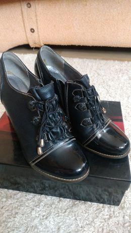 Женские ботинки ЭКО кожа