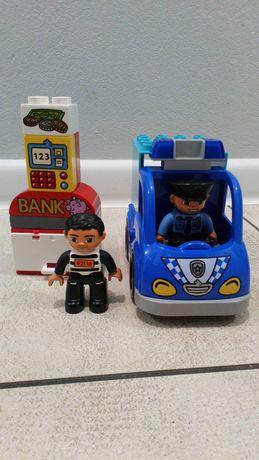 Samochód policyjny z serii Lego Friends