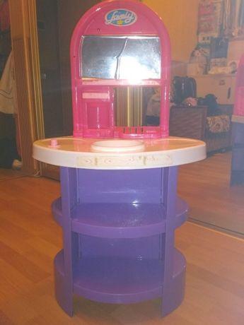 детский столик для косметики