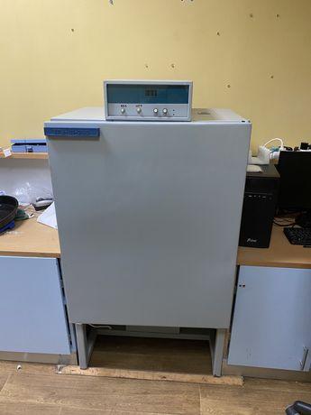 Термостат/ инкубатор лабораторный