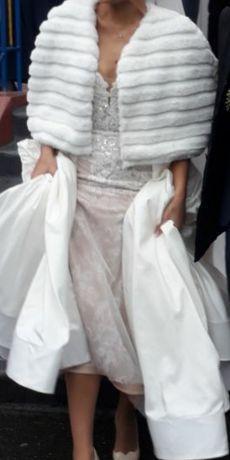 Меховое короткое манто для свадебного платья