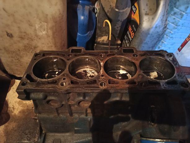 Блок двигателя 1,6 8 клапанного